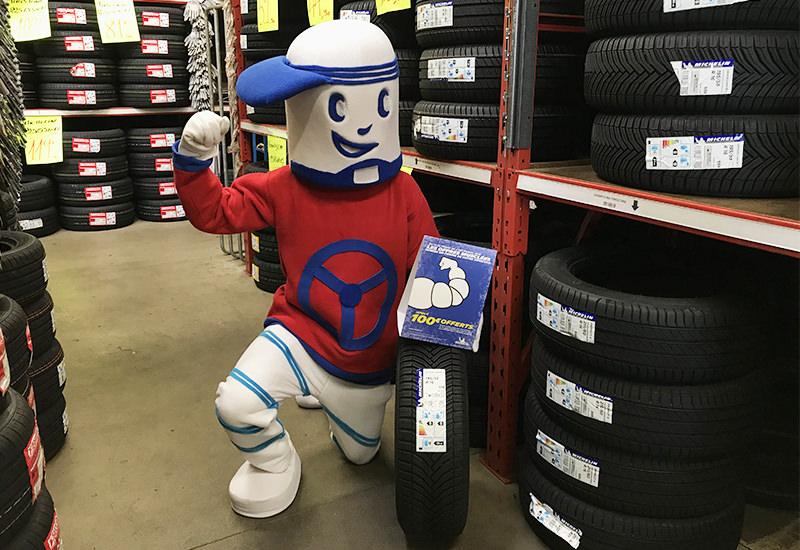 Opération Michelin Hiver 2018 avec la mascotte de Carter-Cash