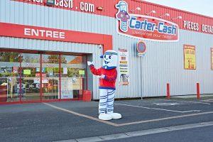 magasin-carter-cash-avec-mascotte-cashy