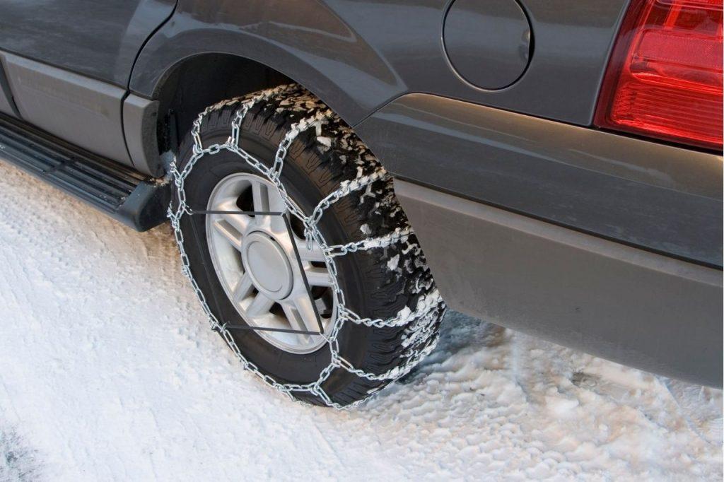 chaine-neige-sur-voiture