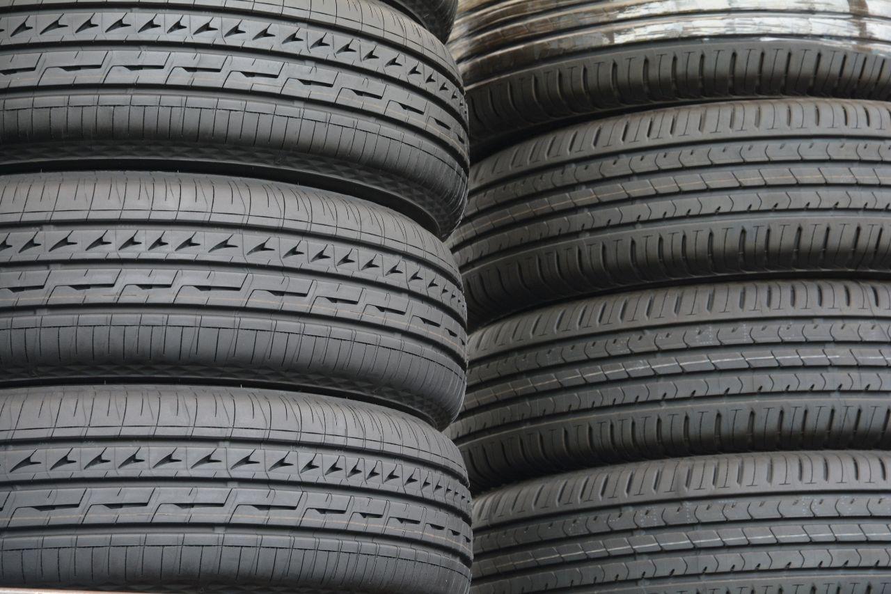 pneus-ranges-en-hauteur